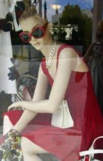 mannequin pose